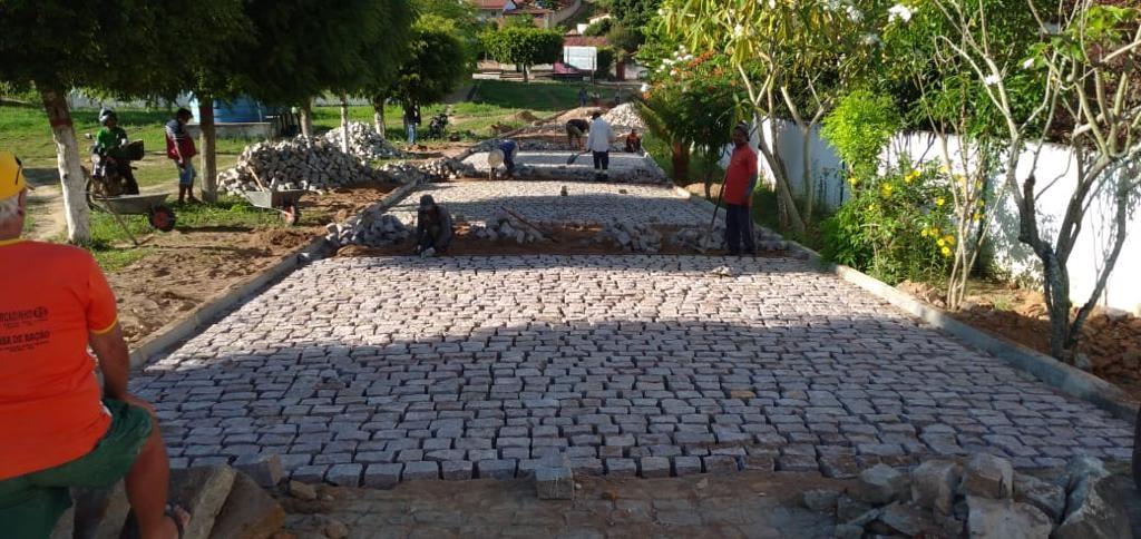 Avança obra de pavimentação de ruas de São Bento das Lajes