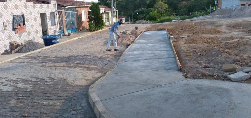 Obras da Praça de São Bento das Lajes avançam em ritmo acelerado