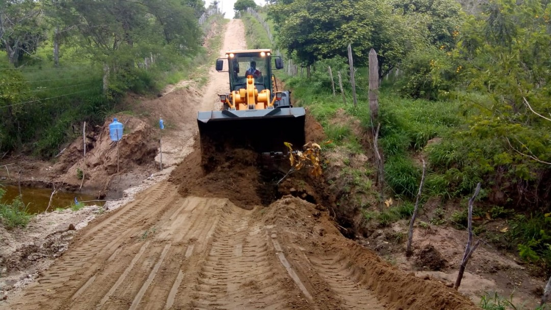 Prefeitura realiza operação tapa-buracos, faz manutenção de ponte e garante acessibilidade às comunidades da região de Belchior