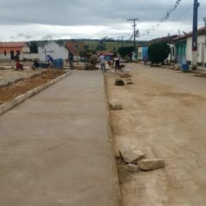 Prefeitura de Mairi avança em obra de construção da Praça de Alagoinhas