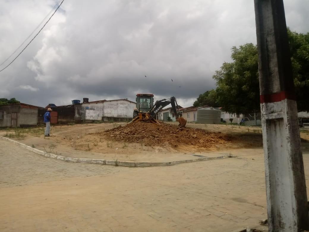 Prefeitura dá início à construção de Praça no povoado de São Bento das Lajes